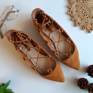 Ankle wrap pointed flats